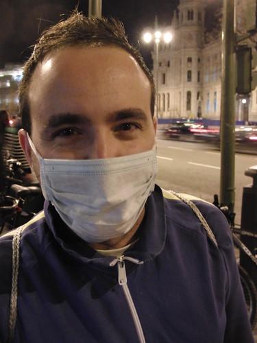 llevamos mascarillas (aunque sea de hospital) para protestar contra la contaminación