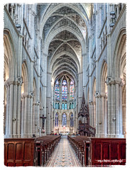 down the nave of Saint Vincent. (by Ophelia photos) Tags: light color stone architecture marseille cathedral nave inside hdr apse saintvincentdepaul