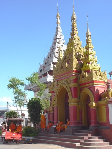 Kengtung-Temples-Moines (15)