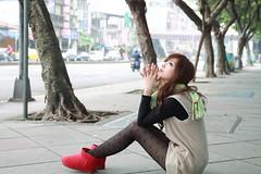 [フリー画像] 人物, 女性, アジア女性, 見上げる, 台湾人, 201105190900