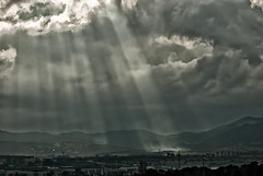 La mano de Dios (...Louly... Olaya) Tags: paisajes rayosdesol tormentas
