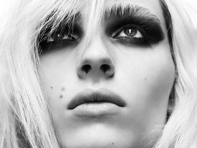 Andrej Pejic0259_OYSTER91FEBRUARY-MARCH 2011_Ph Jez Smith(oystermag.com)