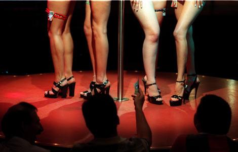 strip-club-hustler-larry-flynt