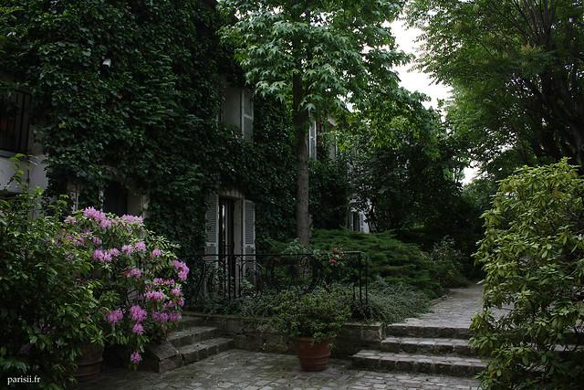 Propriété privée, un jardin et un havre de paix en plein Paris