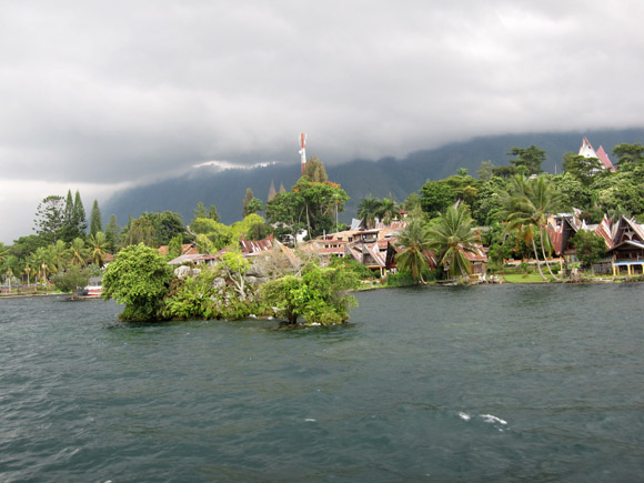 Lake Toba House