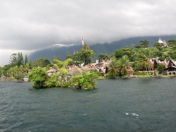 Lake Toba House