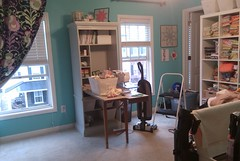 Sewing Studio (KMQuilts) Tags: aqua amybutler sewingroom modernquilting avalanden