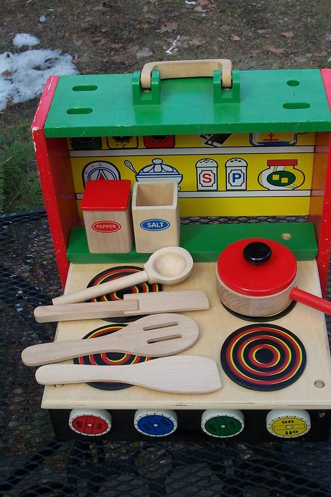 toy wooden rangetop