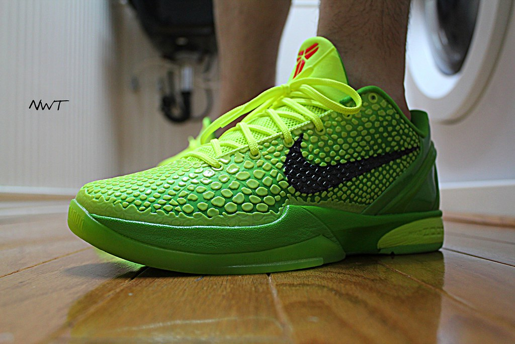 reputable site 7a94d 889f7 ... basketball zoom nike grinch. WDYWT 3-17-11 (Never Wear Them) Tags  christmas  xmas red