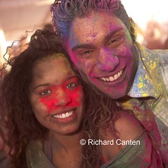 Holi Phagwa 2011 @ Den Haag (Richard Canten) Tags: feest portrait people girl denhaag portret holi meisje mensen transvaal hindoe poederfeest holika hindoestaans holikotsava holiphagwa richardcanten