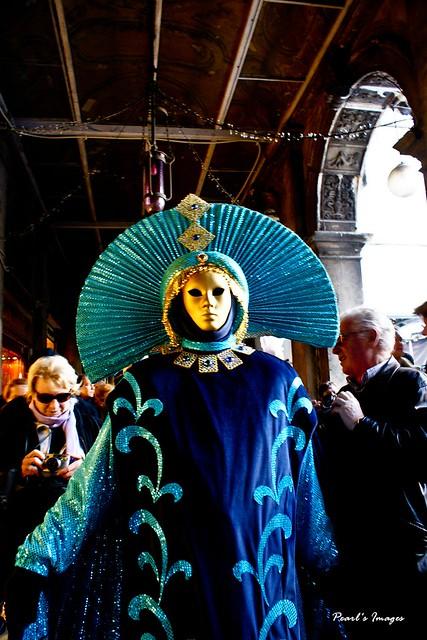 藍色傳統裝