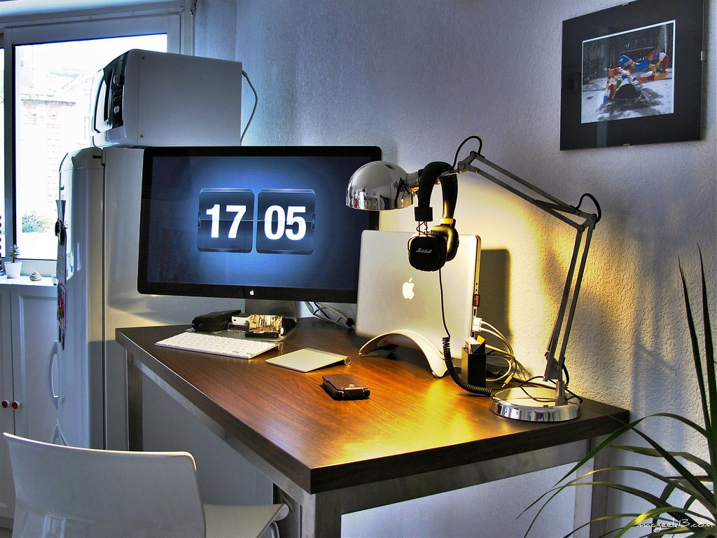 bureau geek. Black Bedroom Furniture Sets. Home Design Ideas