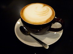 Blue State Cappuccino (mswoveland) Tags: coffeehouse cappuccino brookline bluestate 140420mmf3556