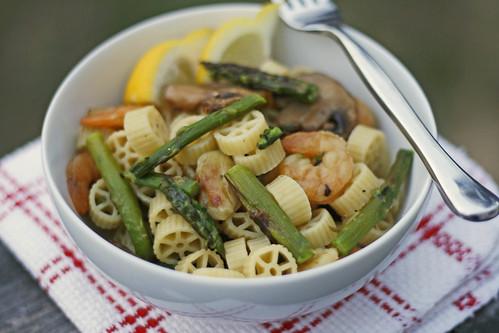 shrimp asparagus mushroom pasta2