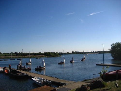 Sailing lesson on Fairlop Water