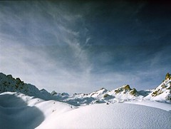 Snow & Sky (dongga BS) Tags: schnee mountain snow alps 120 film analog mediumformat schweiz switzerland kodak berge alpen 6x45 wallis valais rollfilm mittelformat analogous valdanniviers porta400nc kodakprofessionalportra400nc geocity exif:focal_length=45mm 45mm128 geostate geocountrys exif:aperture=11 exif:model=6451000s camera:make=mamiyacamera camera:model=6451000s exif:lens=45mm128 exif:make=mamiyacamera mamiyacamera6451000s