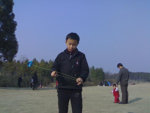 201102053883_小小少年