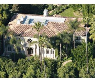 Christina Aguilera House Exterior by qualitybath