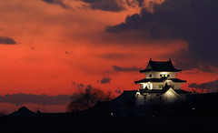Fire in the sky! (Spice  Trying to Catch Up!) Tags: light sunset red sky black color castle japan clouds canon dark geotagged fire eos asi