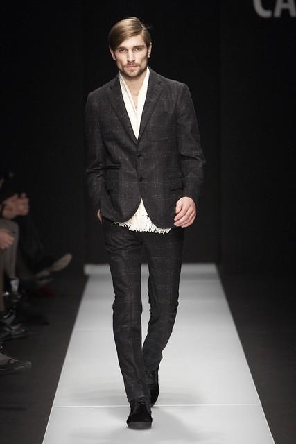 Texas Olsson3086_FW11_Milan_Carlo Pignatelli Outside(Simply Male Models)