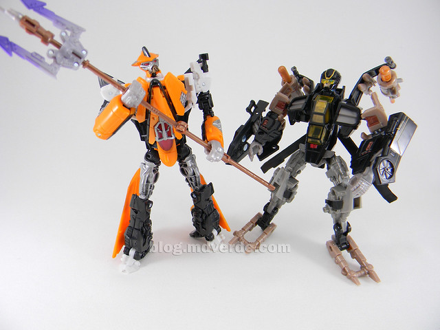 Transformers Tomahawk Hunt for the Decepticons Deluxe - modo robot vs Terradive