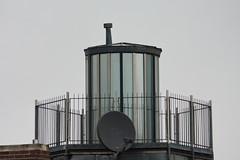 Leuchtturm (Traveller_40) Tags: lighthouse munich münchen guessed beacon schüssel leuchtturm innenstadt geländer satellitenschüssel guessedmunich guesswhereinmunich