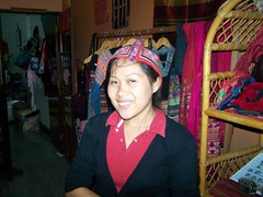 Laos Family girl hat (VBB Pictures) Tags: jan refugees report iranian kurdistan 2011