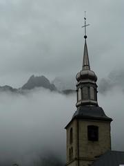 Eglise Saint-Michel de Chamonix (FleurdeLotus28) Tags: mountain france church montagne alpes lumix nuage chamonix eglise montblanc saintmichel massifdumontblanc