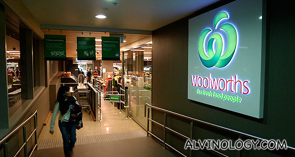 "Woolworths - ""the fresh food people"""