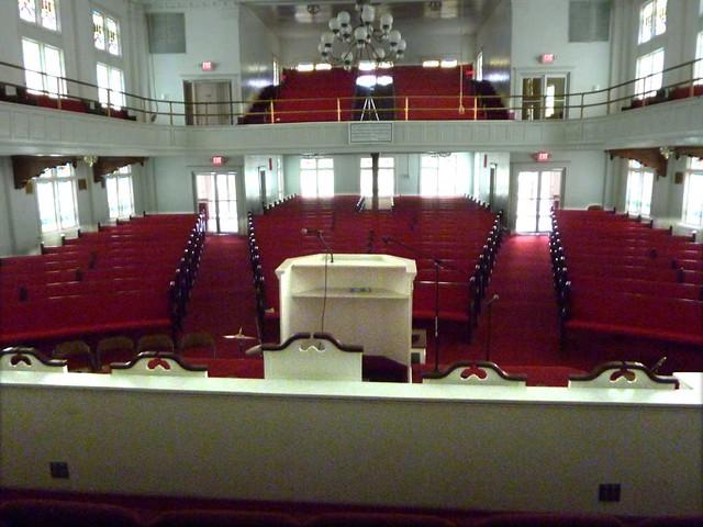 P1080048-2011-02-28-Pentecostal-Church-of-God-Howard-Street-Kirkwood-Atlanta-from-back-of-choir