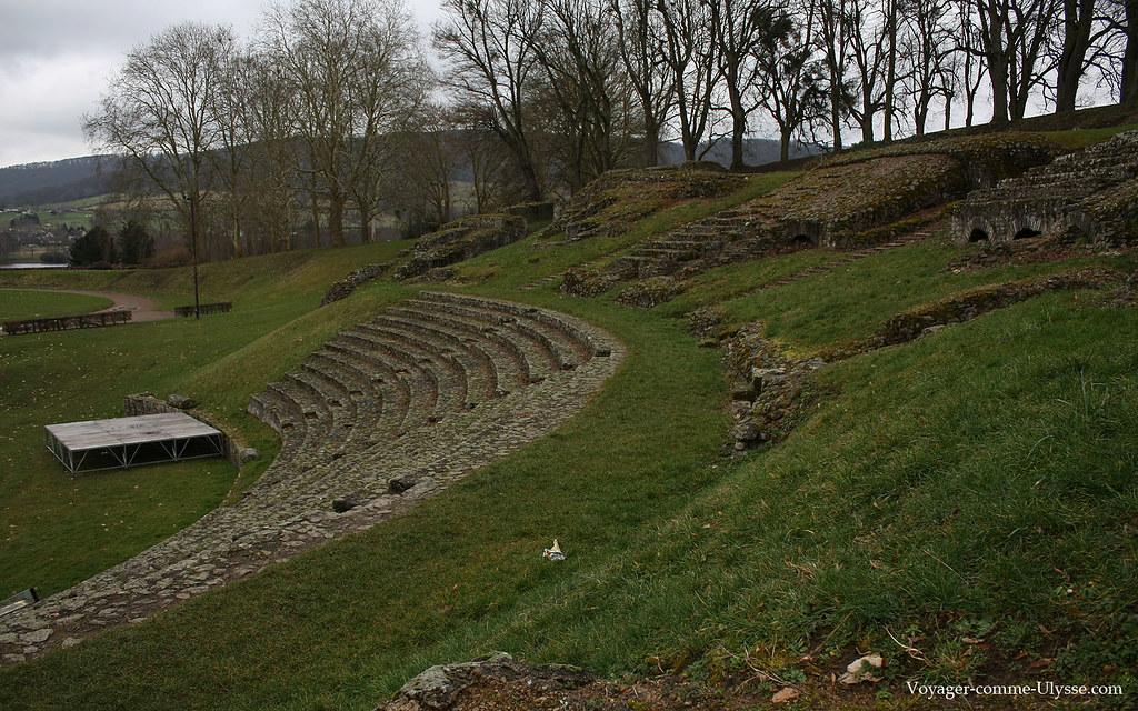 L'ancien théâtre d'Augustodunum est l'un des plus grands, si ce n'est le plus grand, du monde romain connu