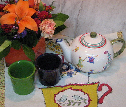 Teapot, Cups, Flowers
