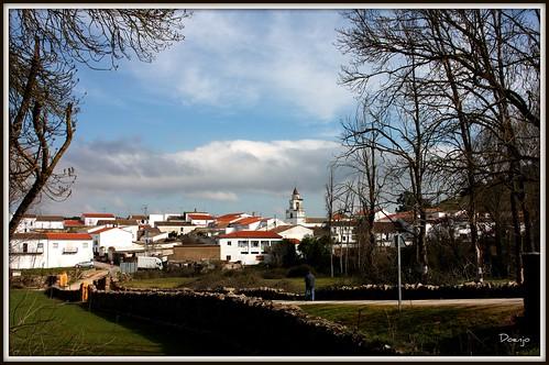 Vista de San Nicolás del Puerto desde la Vía Verde