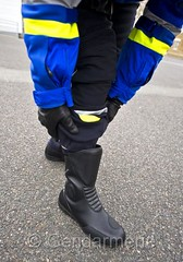 Nouvelle tenue motard gendarmerie 4 (tripuniforme) Tags: boots bottes motard gendarmerie leatherboots frenchpolice bottines copboots bottesdecuir motardgendarmerie bikermen nouvelletenue motardgendarme bottesdegendarme bottesdemotard bottesdemotardgendarmerie nouvelletenuegendarmerie nouvelletenuemotardgendarmerie bottesdemotardgendarme bottinesdemotard