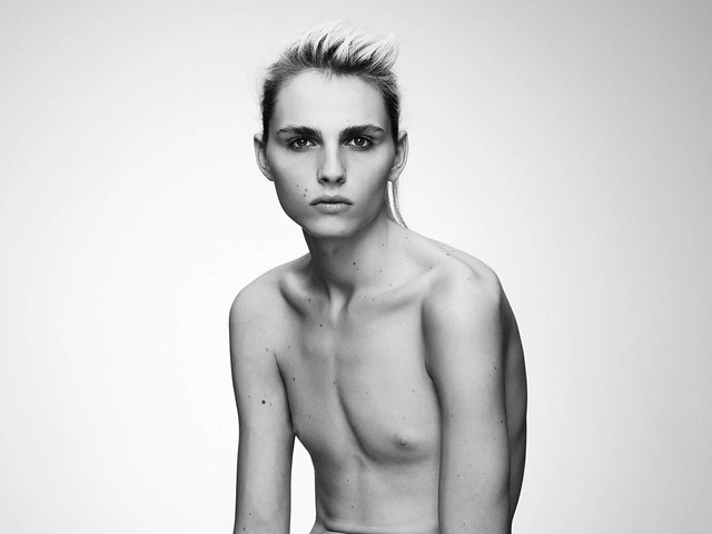 Andrej Pejic0256_OYSTER91FEBRUARY-MARCH 2011_Ph Jez Smith(oystermag.com)