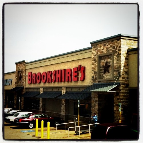 Brookshires Grocery Store on 5th St.