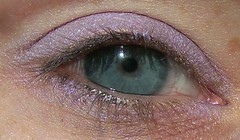 MAC Beautiful Iris swatch