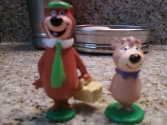 yogi bear (jacknava2001) Tags: bear stone hanna bears boo yogi jelly figuras figures boomerang booboo pvc applause barbera cartoonnetwork picknick yogibear figura jellystone hannabarbera jellystonepark hanabarbera figuriens buubuu picknickbasket osoyogi yogibearmovie ursyogi yogibeartoy yogibearfigure yogibeer yogibar lursyogi