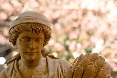 Philadelphia Flower Show 1 (paylab) Tags: philadelphia statue canon 50mm dof pa flowershow canonxsi