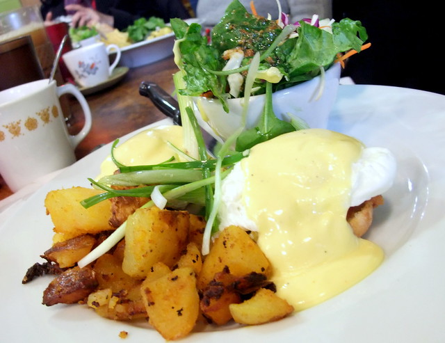 Cheddar, Mango and Bacon Egg Benedicts with Potatoes and Salad