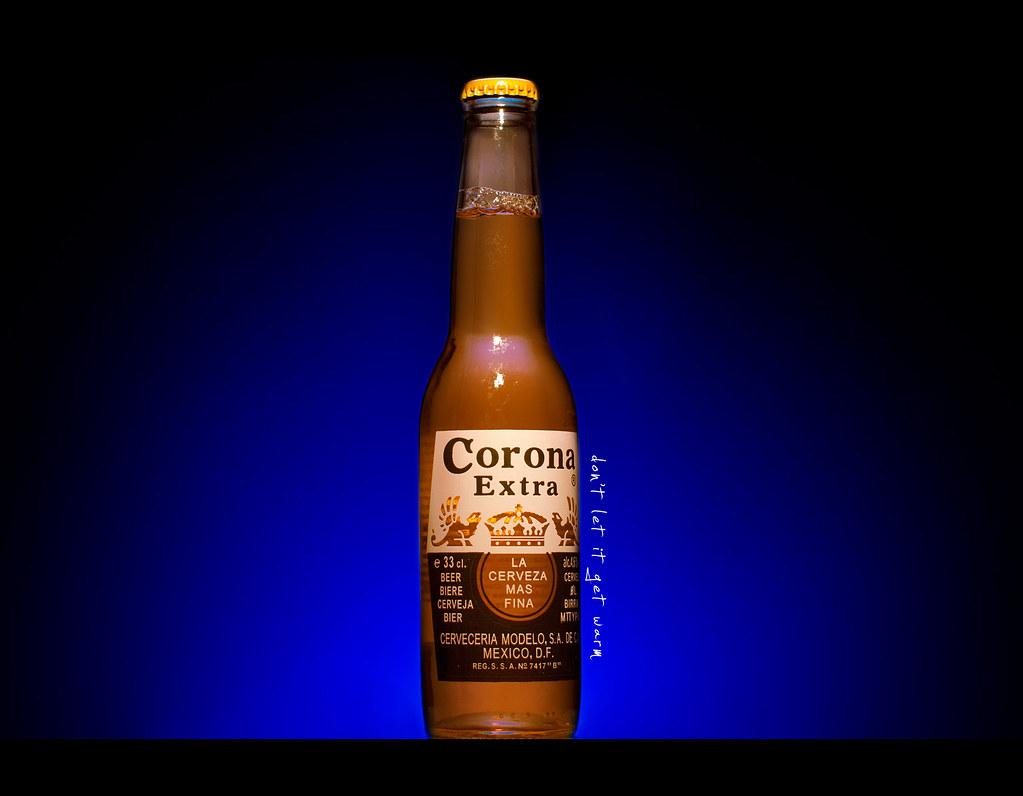 Day 226, 226/365, Project 365, strobist, corona extra, Sigma 50mm F1.4 EX DG HSM, 50 mm, brew, beer, blue, strobist, PocketWizard Plus II
