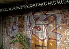 Temp32 (Alex Ellison) Tags: urban graffiti hit tag greenlanes northlondon t32 kingscrescentestate temp32