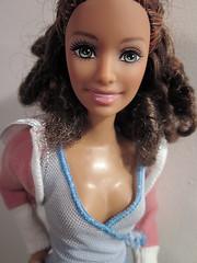 Cattleya (Alrunia) Tags: summer doll barbie hybrid fashiondoll fashionistas caligirl rebody 16thscale playscale frankendoll caligirlsummer barbiefashionistas frankendolly summerheadmold