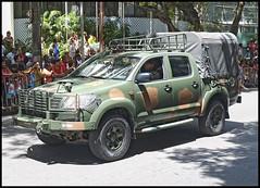 (wilphid) Tags: salvador bahia brasil brsil 7desetembro ftenationale dfil arme militaires vhicules rue gens