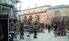 Lights, camera, action! (Frantastic.) Tags: film series tv show television cceres extremadura oldtown espaa spain south sur europe europa fall autumn otoo landscape paisaje props prop crew lights camera action medieval middle ages street streets calle calles town ciudad