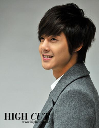 Kim Hyun Joong Highcut Polaroid Signed Photos1
