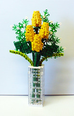 Yellow Quartet of Roses 2 (Model Gal) Tags: roses lego vase bouquet valentinesday rosebuds babysbreath