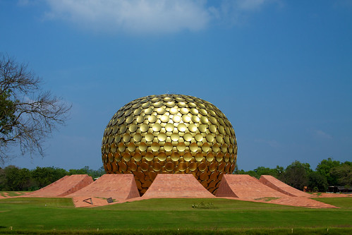 India - TN - 11-01 - Auroville - 08 - Matrimandir