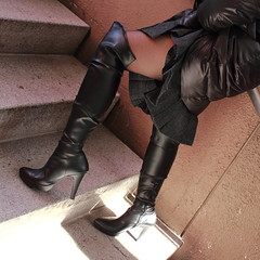 Black Boots 59 (Ayanami_No03) Tags: woman stockings japan tokyo legs boots skirt   blackboots   eoskissx4 eos550d