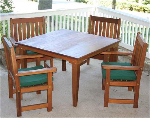 Cedar Get-Together Dining Set
